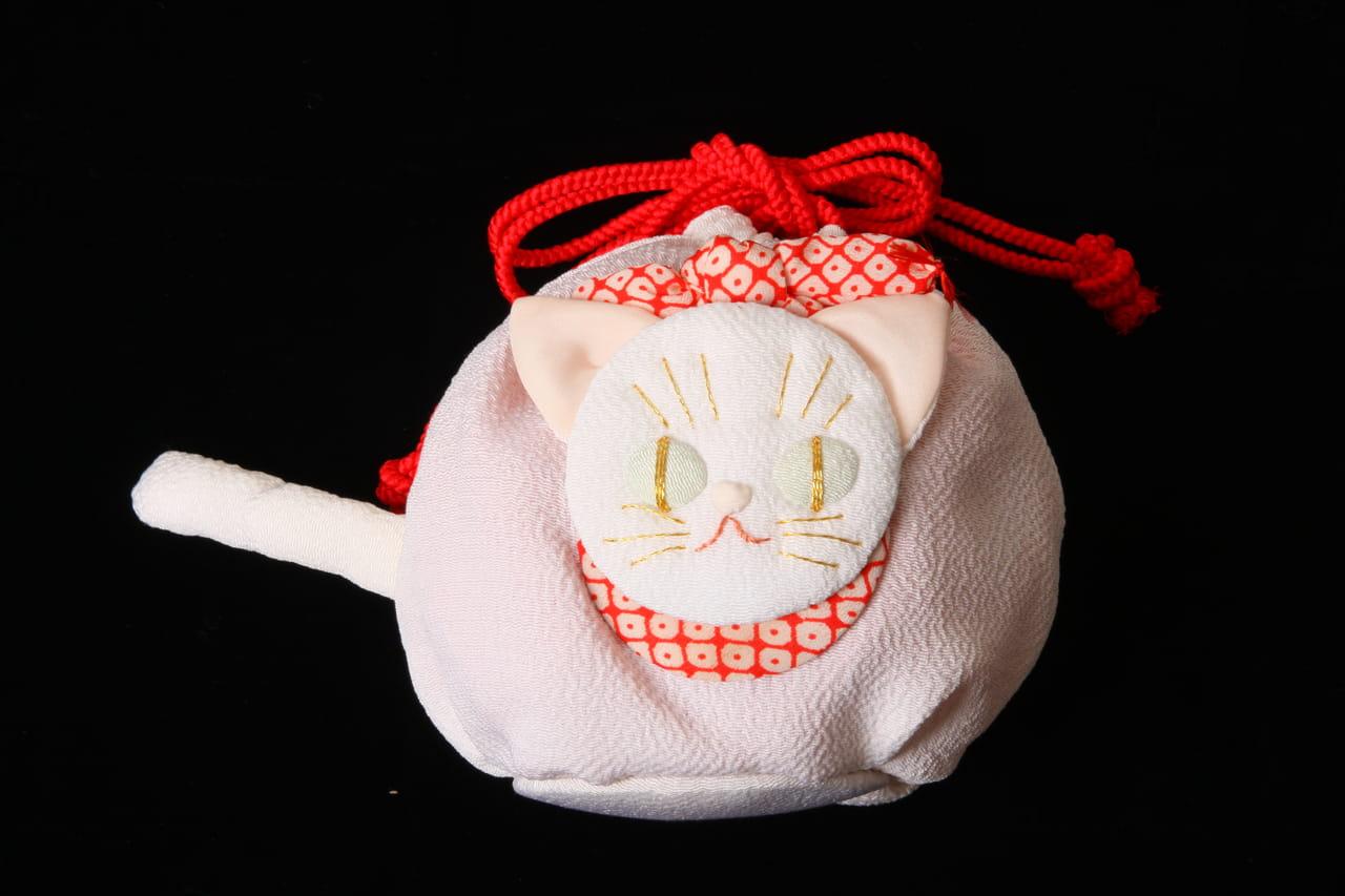 縮緬白猫巾着